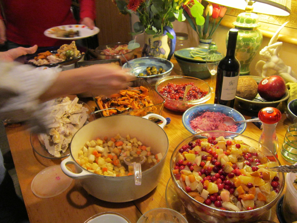 5 ways to de-awkward-ify thanksgiving with the neighbors