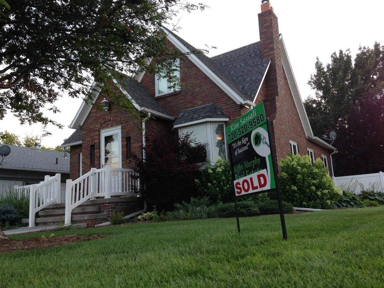 Home For Sale Yes, Interest Rates Affect How Buyers Shop For Homes