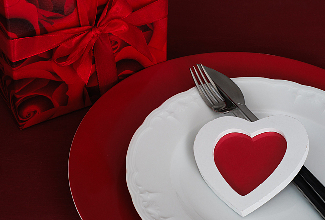 50 simple valentine 39 s day romantic dinner setting ideas for Simple valentines day dinner