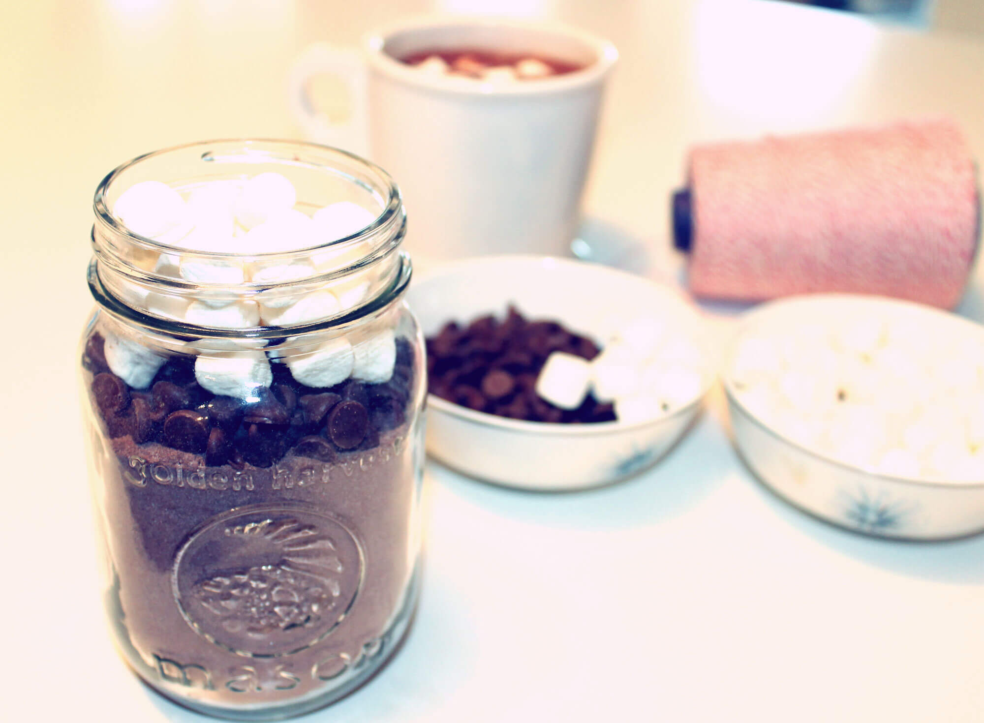 holiday hot cocoa in a jar