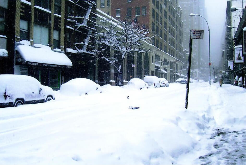 winter travel: stay safe driving in snow