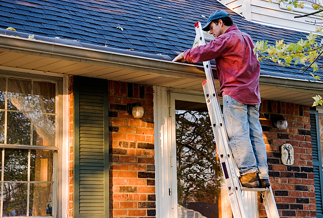 4 Gutter Cleaning Tips and Tricks